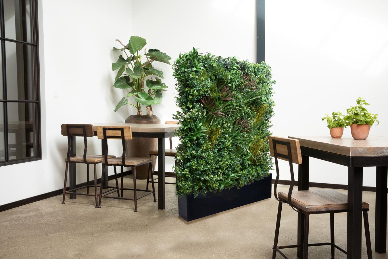 Raumteiler, Ansteckungsschutz, Gefäße, schwarz, künstliche Pflanzen, Raumtrenner
